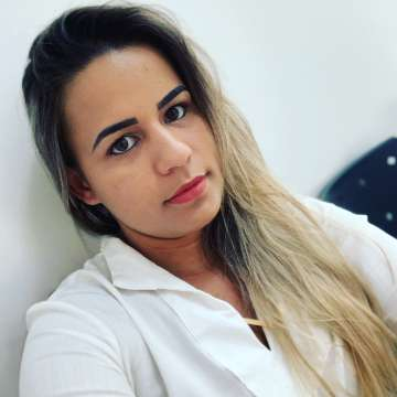 Leticia de Carvalho Costa Tamura