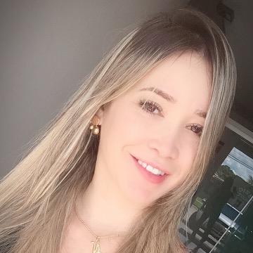 Nayra Almeida
